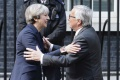 Mayová prijala Junckera a Barniera, vyjasňovali si okolnosti brexitu