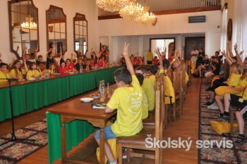 Študenti Detskej univerzity schválili predĺženie letných prázdnin