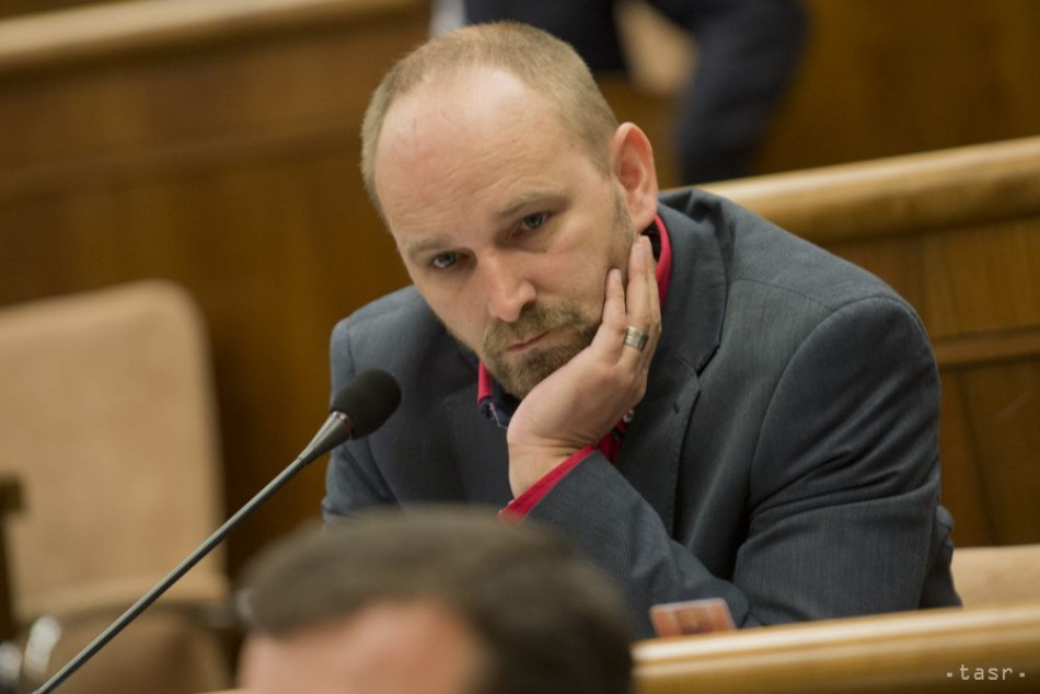 J. Viskupič: Ľudia nedobrých úmyslov sú pred nami dva-tri kroky