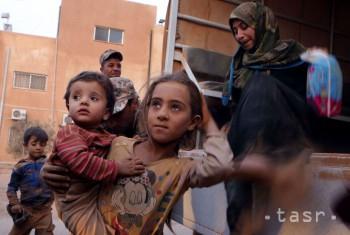 OSN: Turecko by malo vpustiť Sýrčanov, ktorí ušli pred útokmi vlády