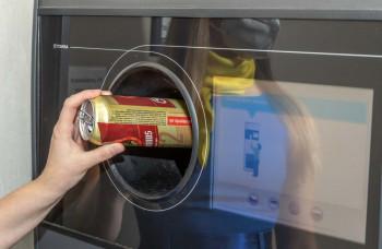 Už aj Košičania môžu v Lidli recyklovať PET fľaše a plechovky