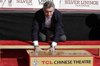 Robert De Niro zanechal odtlačky na chodníku slávy