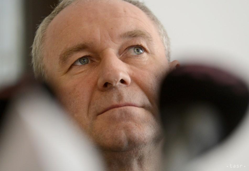 Bývalý trnavský arcibiskup Róbert Bezák sa dožíva 55 rokov