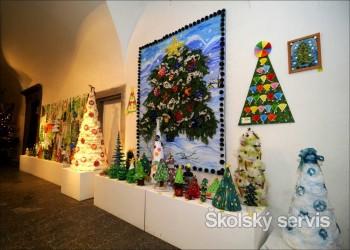 V Spišskom múzeu je výstava vianočných stromčekov z rôznych materiálov