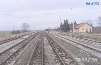 UNIKÁTNY VLAKOVÝ VIDEOPROJEKT: Z maďarských hraníc do Levíc