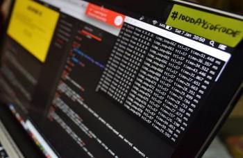 Hackeri útočili na Macrona, Erdogana aj na Internet vecí