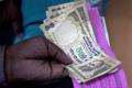 Indická ekonomika sa po prepade v dvoch kvartáloch mierne zotavila