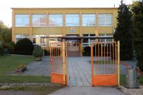 Základná škola v obci Ľubeľa