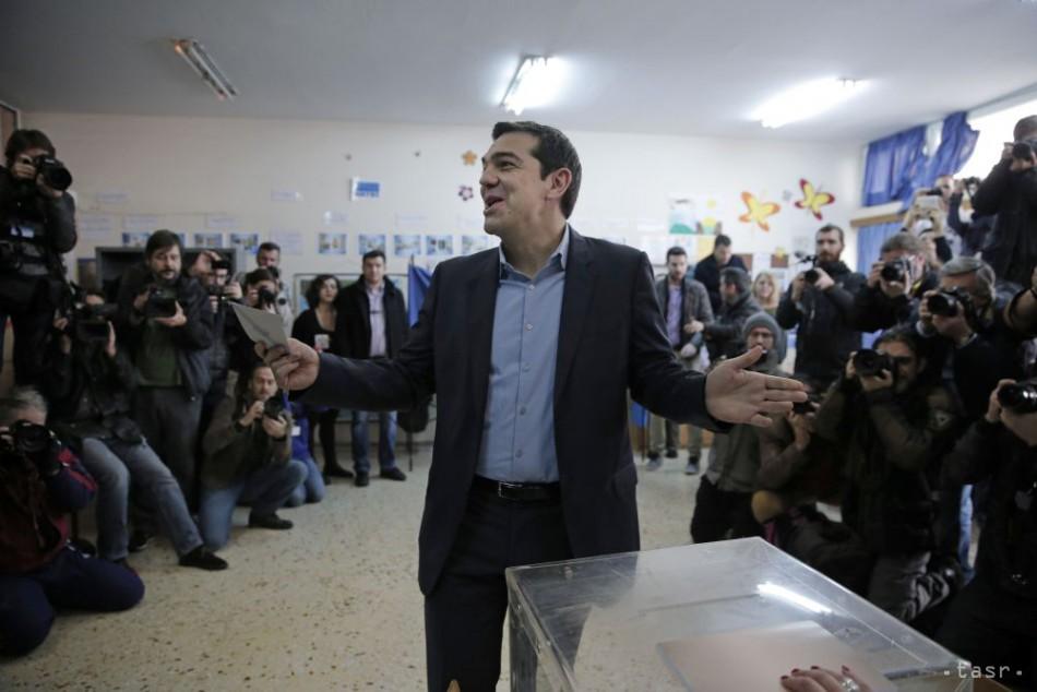 Grécko sa priblížilo k odchodu z eurozóny, voľby vyhrala Syriza