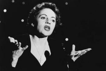 Pred 55 rokmi opustila hudobný svet šansoniérka Edith Piaf