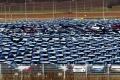 Predaj áut v Rusku v januári opäť prudko klesol