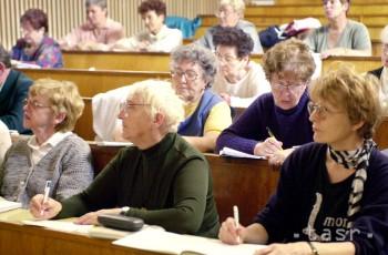Trnava: Na UCM budú školiť seniorov vo využívaní mobilných aplikácií