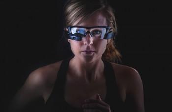Inteligentné okuliare pre športovcov sú vylepšenými Google Glass