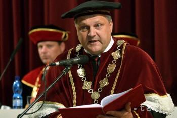 Rektori odporučili Čaplovičovi, aby neschválil kritériá akreditácie