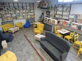 Brehy: Starú uhoľnú kotolňu miestnej školy prebudovali na knižnicu