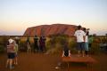 Poslednú možnosť vystúpiť na vrch Uluru využili stovky ľudí