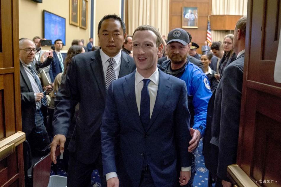 Tajani: Zuckerberg bude v Bruseli vysvetľovať škandál s únikom údajov
