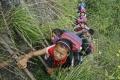 FOTO: Deti v čínskej dedine lozia do školy po rebríku na strmom útese