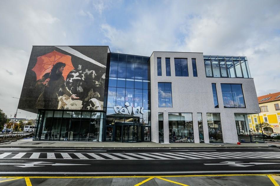fce1037bb0929 Dnes otvára nákupné centrum Point v Banskej Bystrici