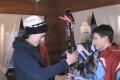 Slalomárka Petra Vlhová darovala mladým lyžiarom športový výstroj