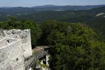 Pohľad z hradu Uhrovec