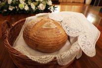 Prezidentka darovala pápežovi symbolické i praktic