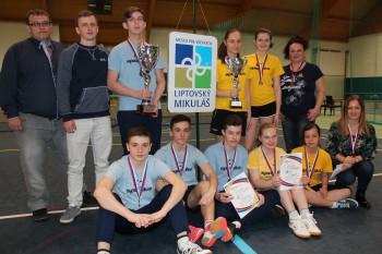Trojnásobní majstri SR v stolnom tenise žiakov sú zo ZŠ Vyšný Žipov