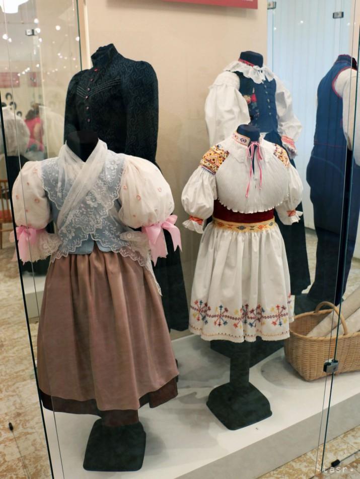 7bbab627a Výstava Ej, ženy, ženy... predstaví kroje z rôznych regiónov Slovenska