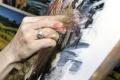 Imrich Trizma upútal figurálnou plastikou a maľbou glazúrou