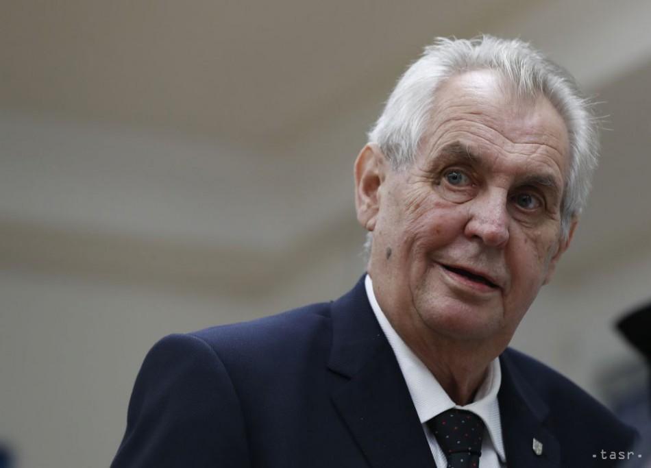 Prezident Zeman má za sebou operačný zákrok, tvrdí aktuálně.cz