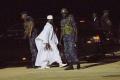 Gambijský exprezident Yahya Jammeh sa vzdal moci a opustil krajinu