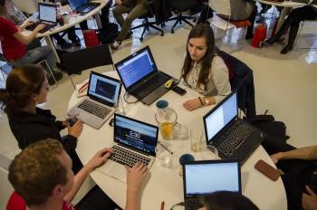 IT: Žena 21. storočia patrí za počítač