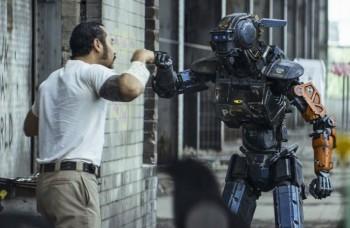 Kino novinky týždňa: Hugh Jackman sa predstaví v sci-fi filme Chappie