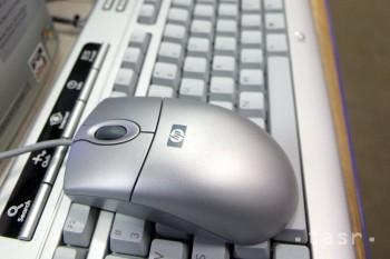 Telekomunikačný úrad SR daroval základnej škole počítače