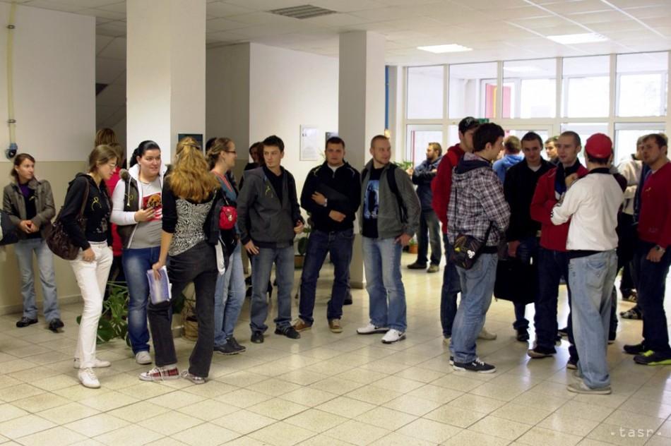 Púchov napätie študenti štrajk TnUAD TNX - Fotodenník ... e538a390260