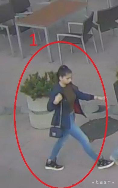 Poznáte túto ženu  Ešte v máji ukradla v Bratislave peňaženku a77987bb647