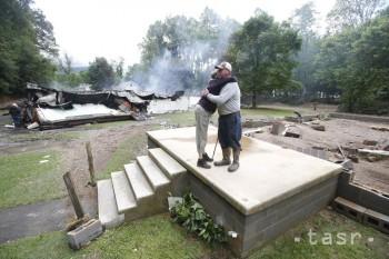 Záplavy v Západnej Virgínii si vyžiadali prinajmenšom 20 obetí