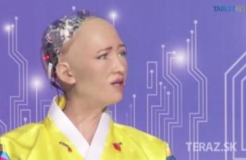 VIDEO: Humanoidný robot vystúpil na panelovej diskusii