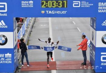 Kenský vytrvalec Kipchoge vyhral Berlínsky maratón