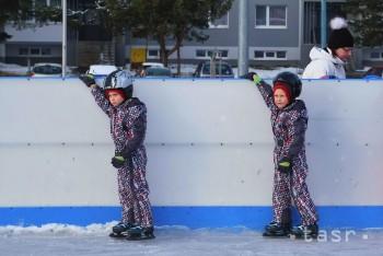 Prievidza: Predškoláci sa učili korčuľovať na ľade