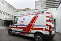 Ľudia využívajú sanitky aj ako taxíky, záchranárov volajú i k banalite