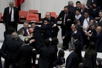 Bitka v tureckom parlamente