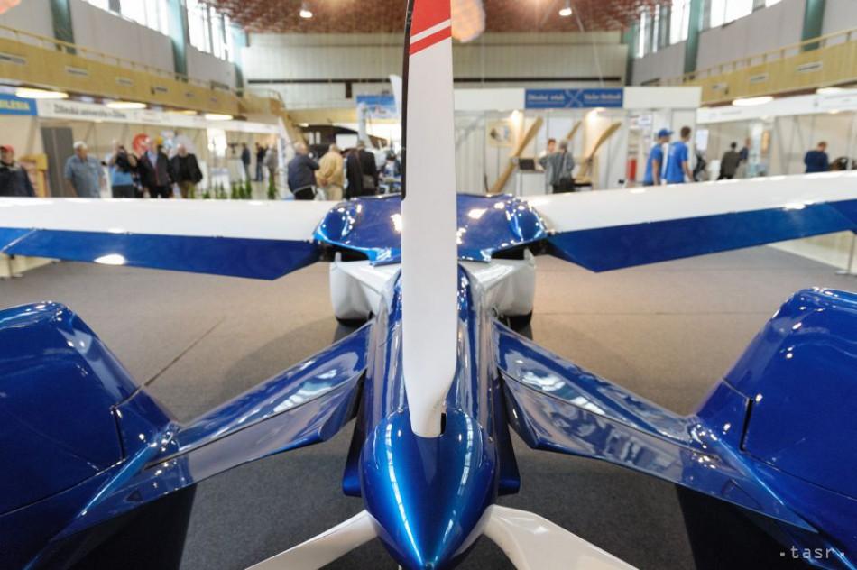 Slovenský aeromobil zaujal aj šéda americkej diplomacie J. Kerryho