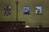 Priznanie zamestnankyne väzenia: Pomohla utiecť dvom odsúdeným vrahom