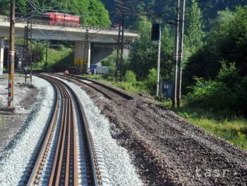 Práce na trati pri Varíne sa skončia, vlaky pôjdu bez obmedzení