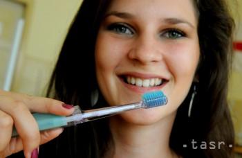 Kvalitná starostlivosť môže predĺžiť životnosť zubnej náhrady
