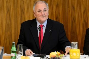 D. Čaplovič prikázal ÚIPŠ vypovedať zmluvu na prenájom kancelárií