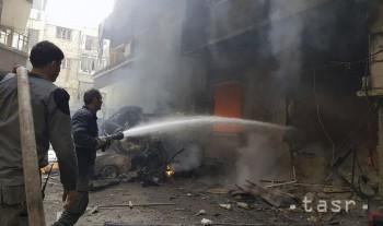 Trhovisko v Damasku zasiahla raketa. Neprežilo najmenej 35 ľudí