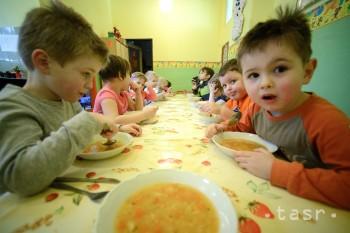 Vráble: Mesto testuje stravovanie škôlkarov cez centrálnu vývarovňu