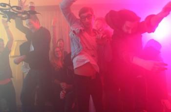 Billy Barman vyráža na turné po slovenských kluboch